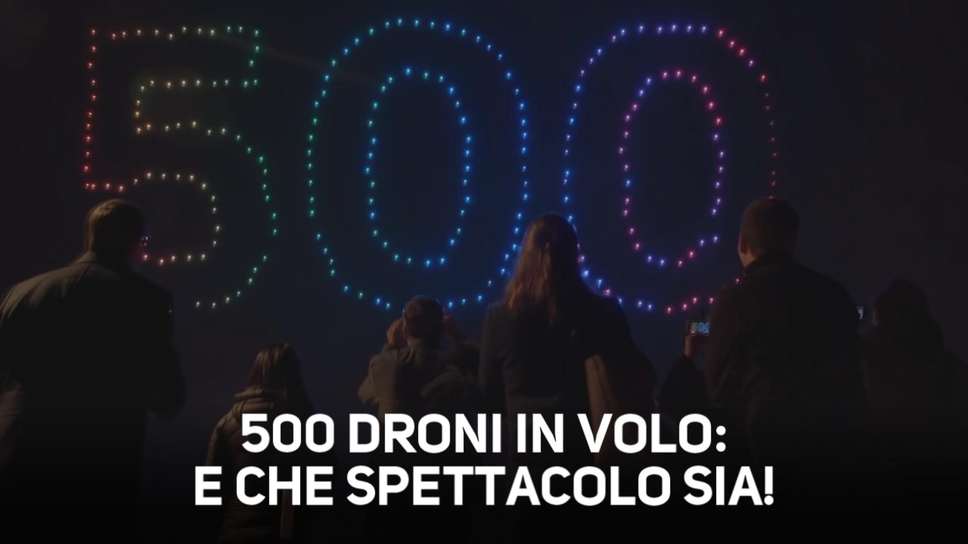 500 droni in volo: la coreografia e' uno spettacolo