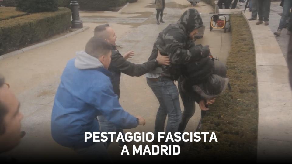 Brutale: picchiato per aver urlato 'Franco assassino'