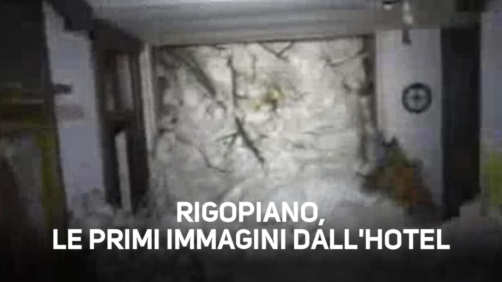 Le prime immagini dentro l'hotel di Rigopiano
